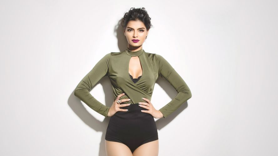Sonali-Raut bollywood actress celebrity model girl beautiful brunette pretty cute beauty sexy hot pose face eyes hair lips smile figure makeup indian wallpaper
