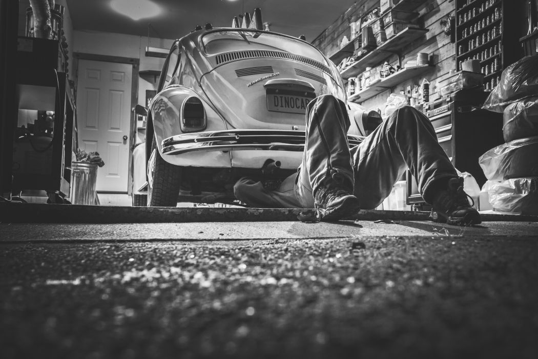black-and-white car classic garage job mechanic repairer repairing vehicle vintage volkswagen Volkswagen Beetle vw workshop wallpaper