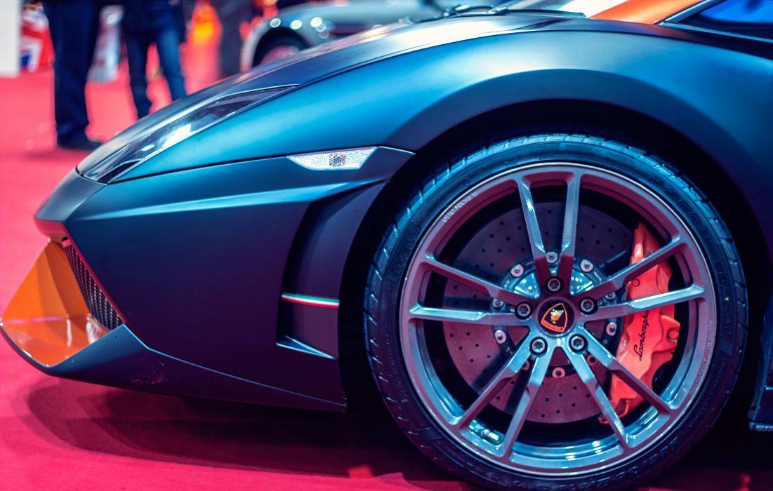 Lamborghini sports car wheel wallpaper
