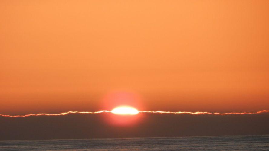 sunset-lining-cloud-golden-sea-clouds-peace-nature wallpaper