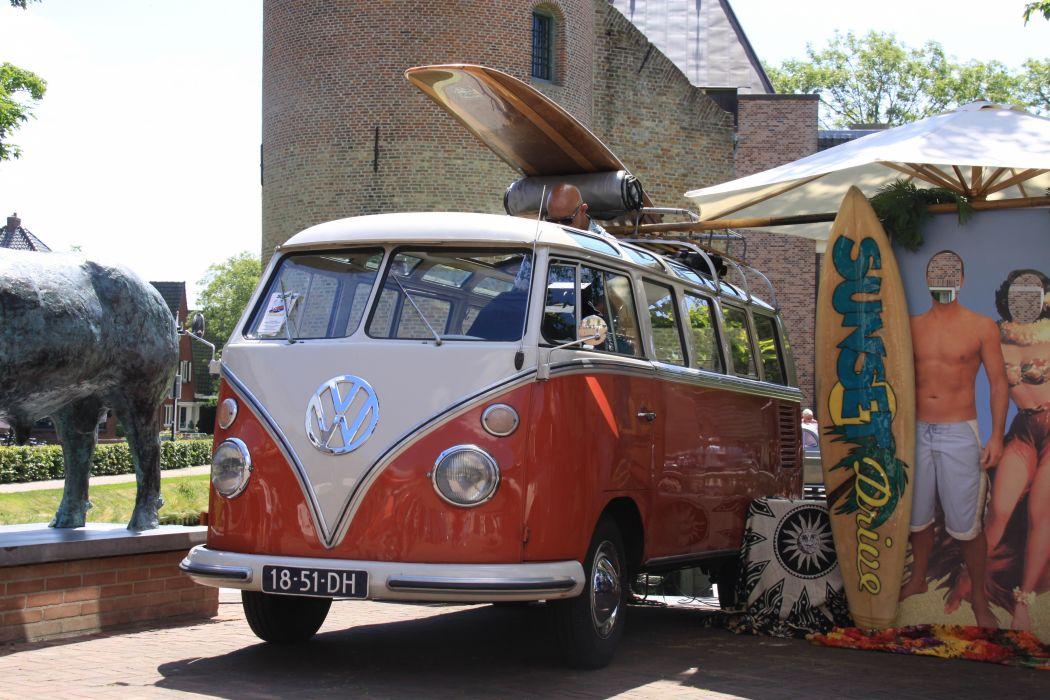 VW Surfs Up wallpaper