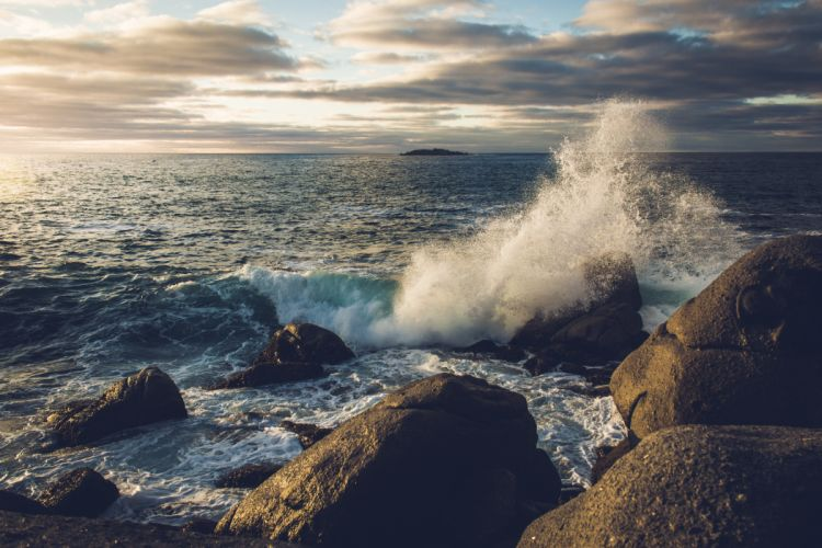 beach ocean rocks sea shore sky splash water waves wallpaper
