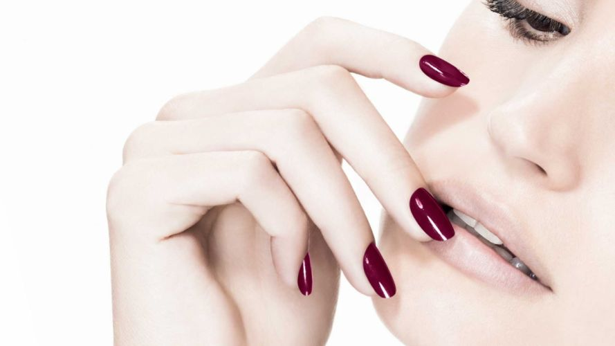 Face-makeup-lips-lipstick-hands-nails-finger-tooth-nose-closeup wallpaper