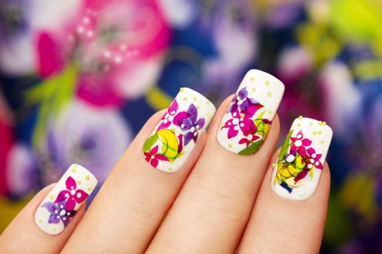 Hands-nails-finger-manicure-collorfull-flowers wallpaper