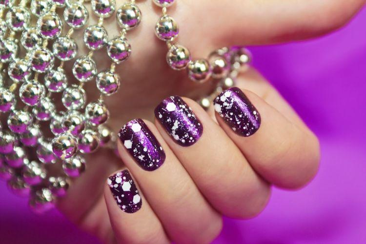Hands-nails-finger-manicure-purple wallpaper