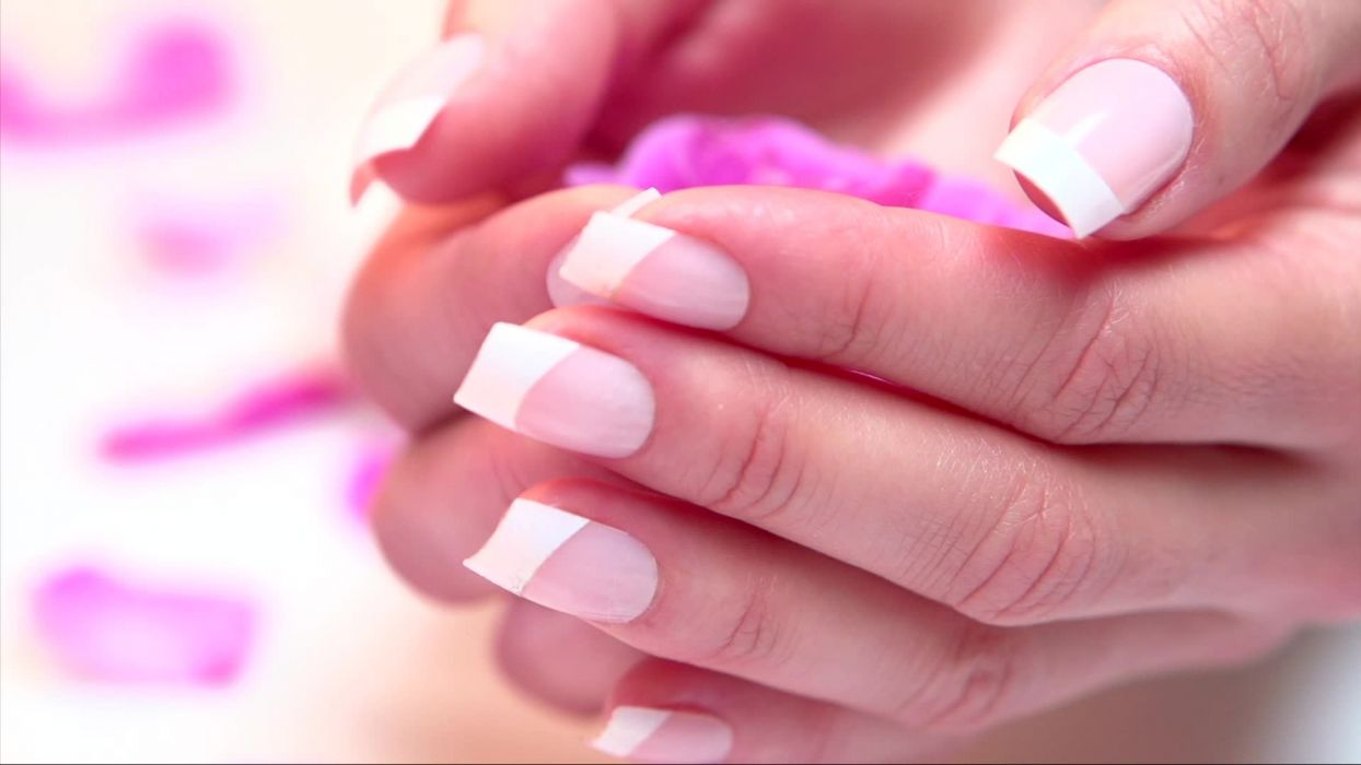 Hands-nails-finger-manicure-pink-petals wallpaper