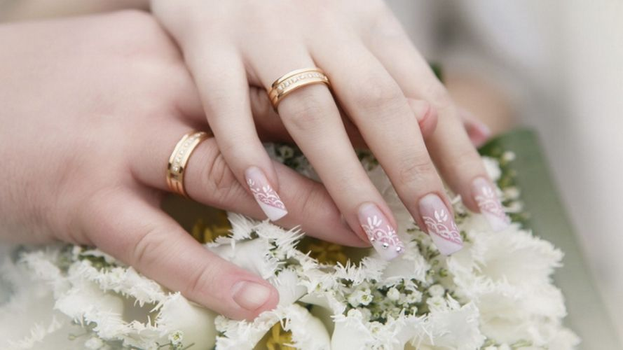 Hands-nails-fingers-couple-wedding-marriage-rings-wreath wallpaper