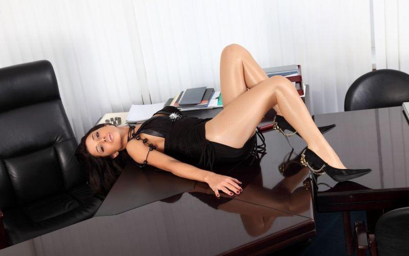 beads tights dress brunette girl model wallpaper