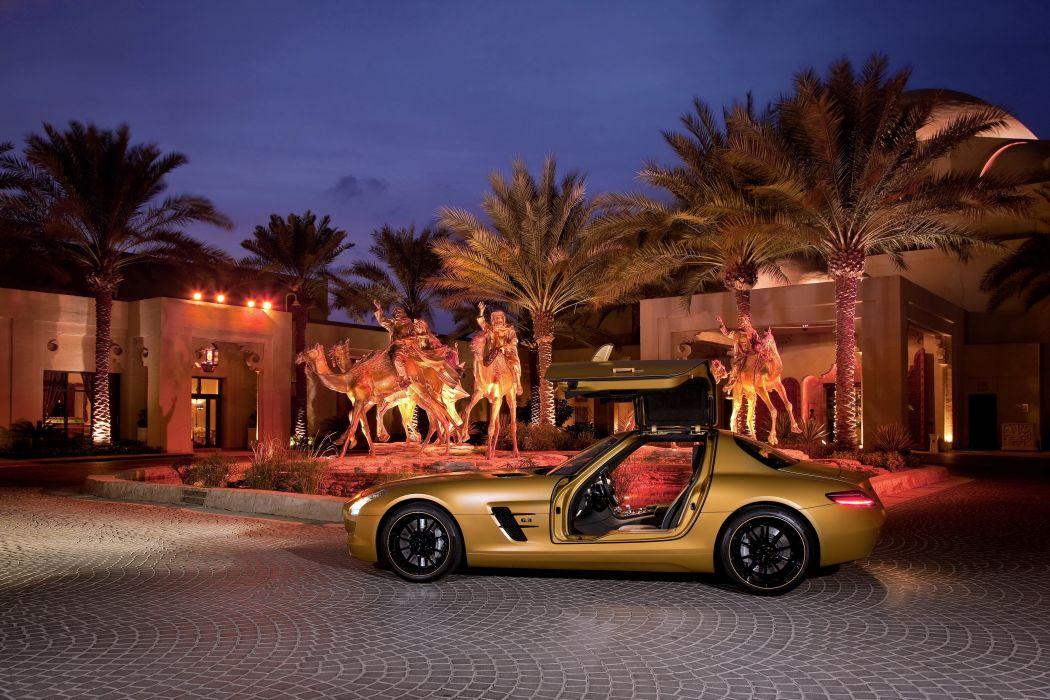 Mercedes-Benz 2010 SLS Desert Gold wallpaper