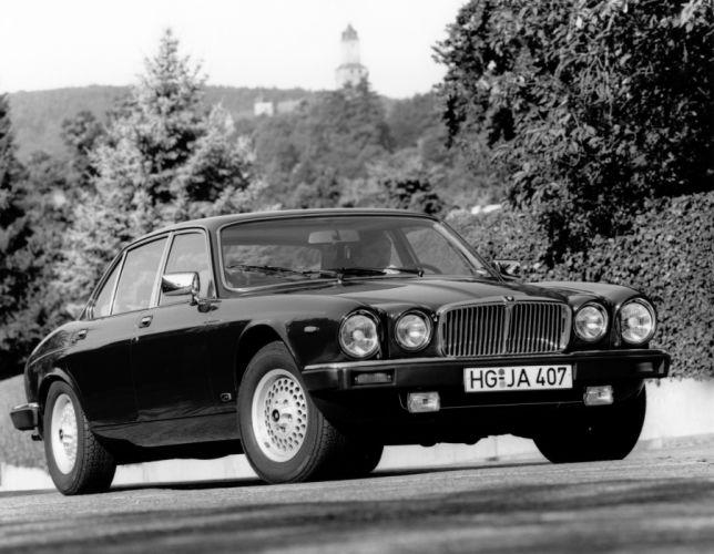 Jaguar XJ 1979 wallpaper