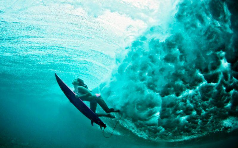 mujer surfing mar naturaleza wallpaper