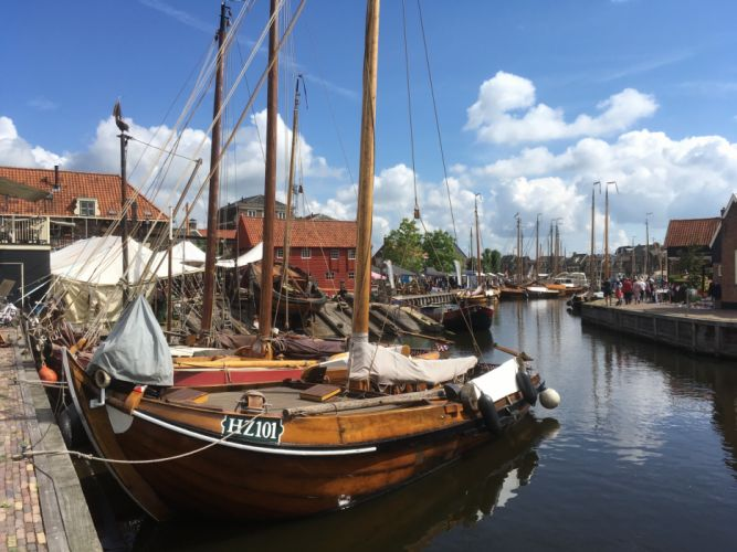 Spakenburg Netherlands Harbour Botter Flatbottom Fishingboat HZ101 wallpaper