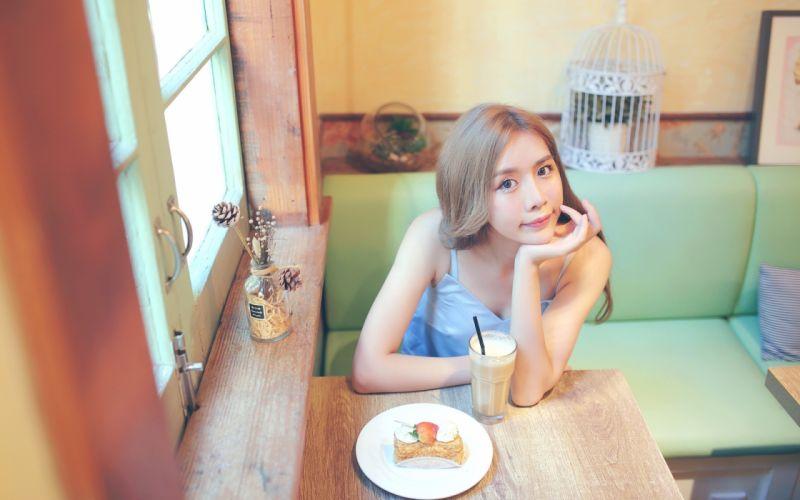 model in coffee bar (10) wallpaper