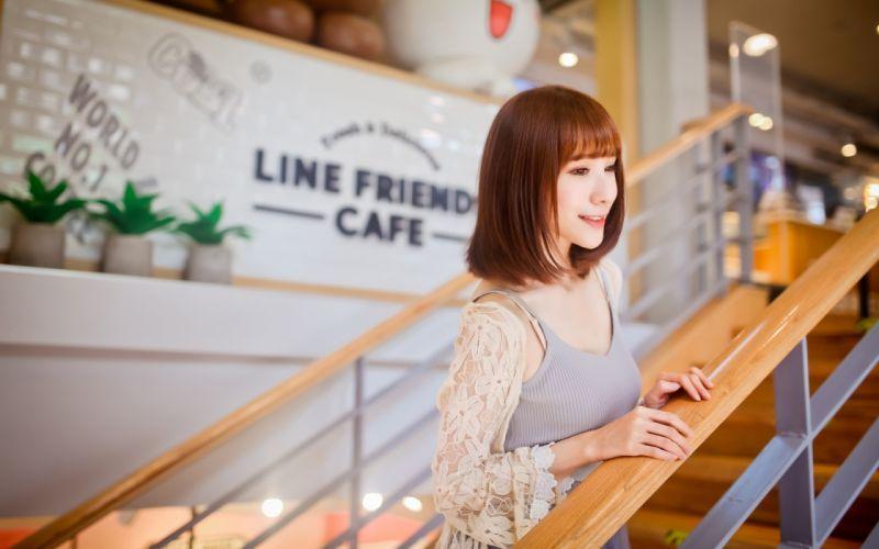 model in coffee bar (17) wallpaper