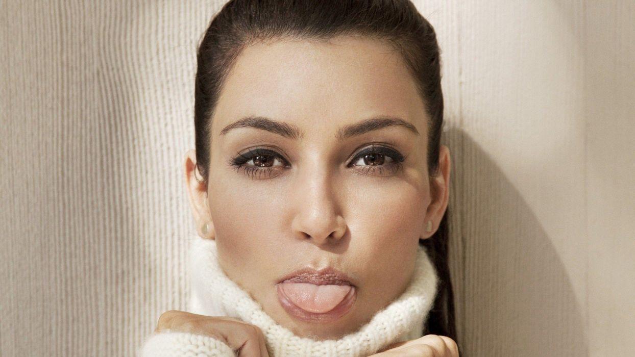 Face sensuality sensual sexy woman girl makeup mouth lips tongue lipstick Kim-Kardashian wallpaper