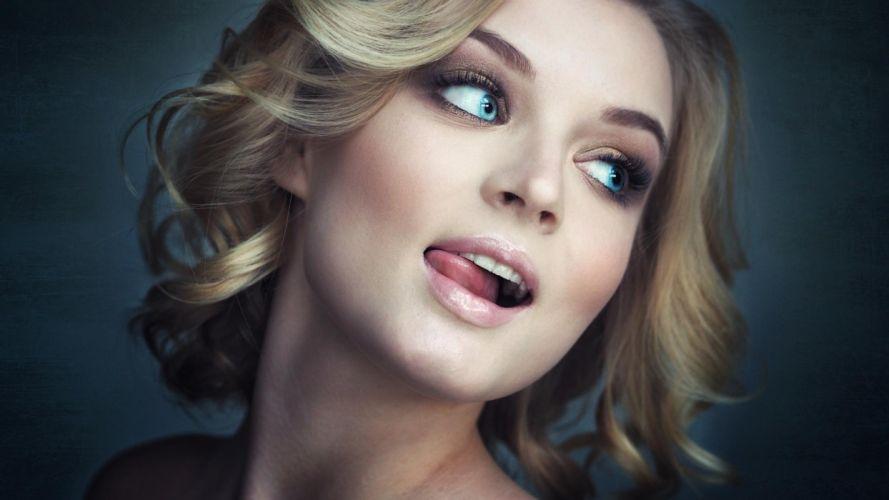 Face sensuality sensual sexy woman girl makeup mouth lips tongue teeth lipstick model wallpaper