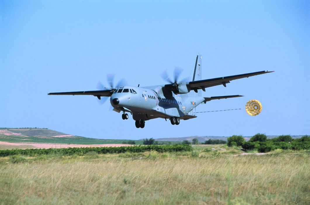 avion hercules militar paracaidas wallpaper