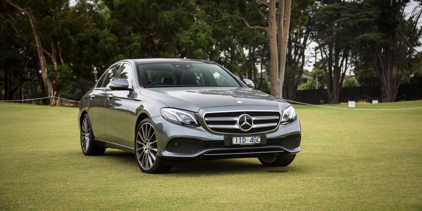 Mercedes-Benz E 300 Avantgarde Line 2016 wallpaper