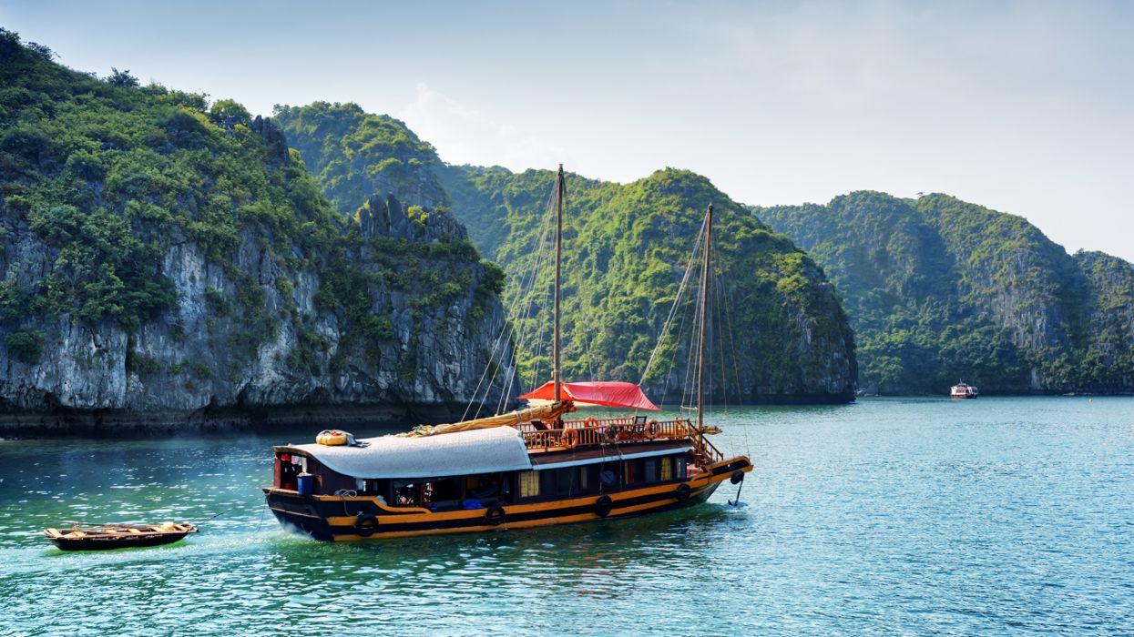 embarcacion motor vietnam naturaleza wallpaper