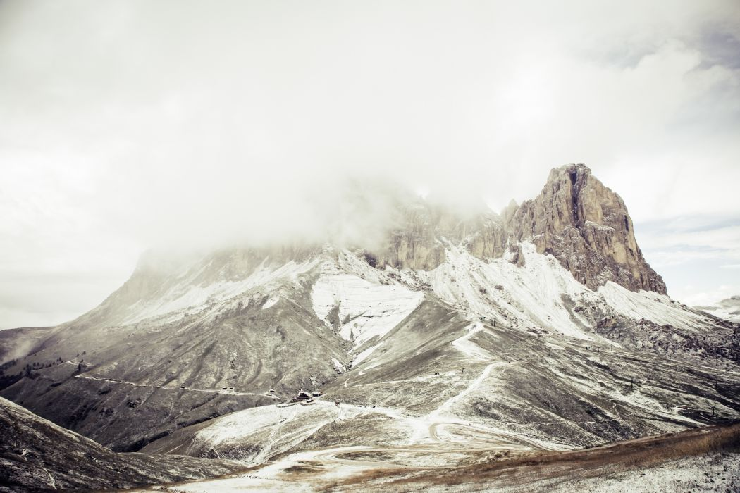 Snow Covered Mountain during Daytime wallpaper