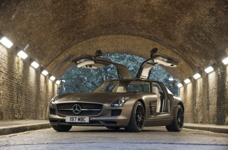 Mercedes-Benz 2013 SLS 63 AMG GT Luxury Cars wallpaper