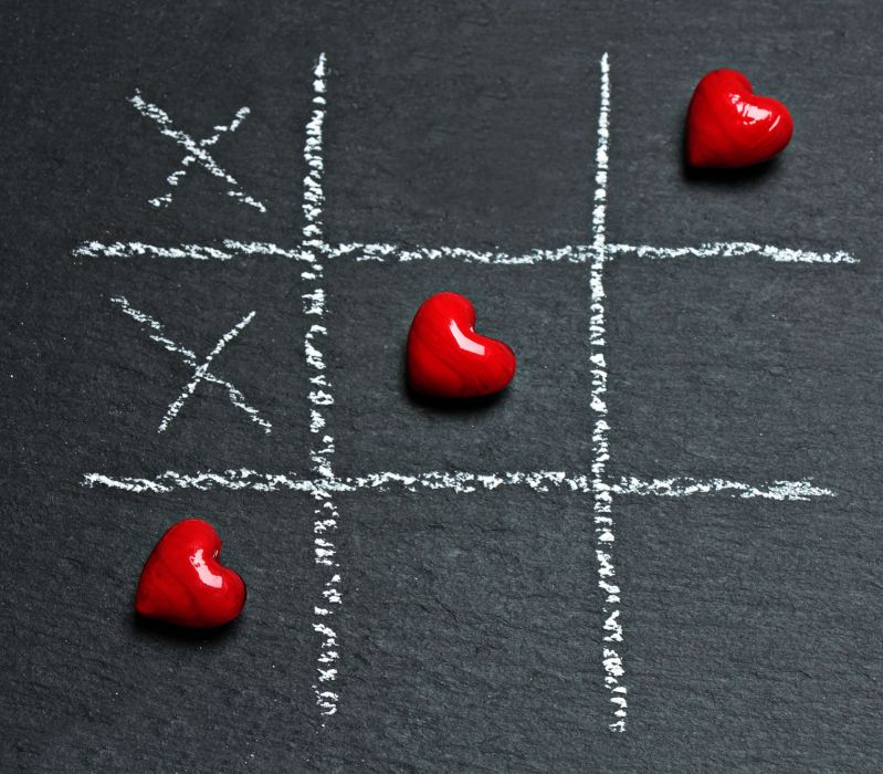 board chalk chalkboard color conceptual cross decoration game heart love play red shape shining sign strategy game symbol tic tac toe wallpaper