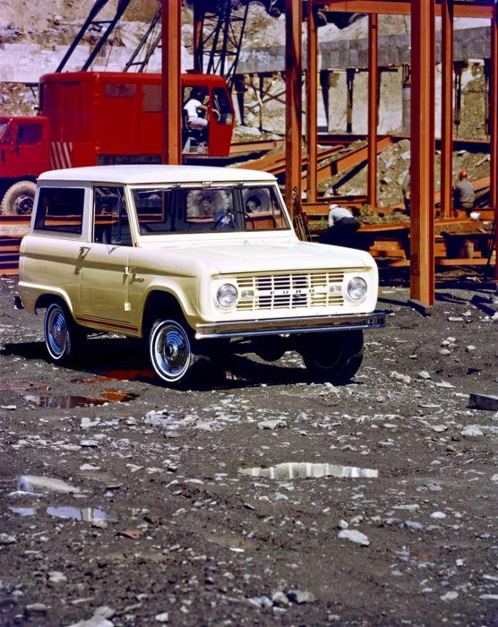 Ford Bronco Wagon 1966 wallpaper