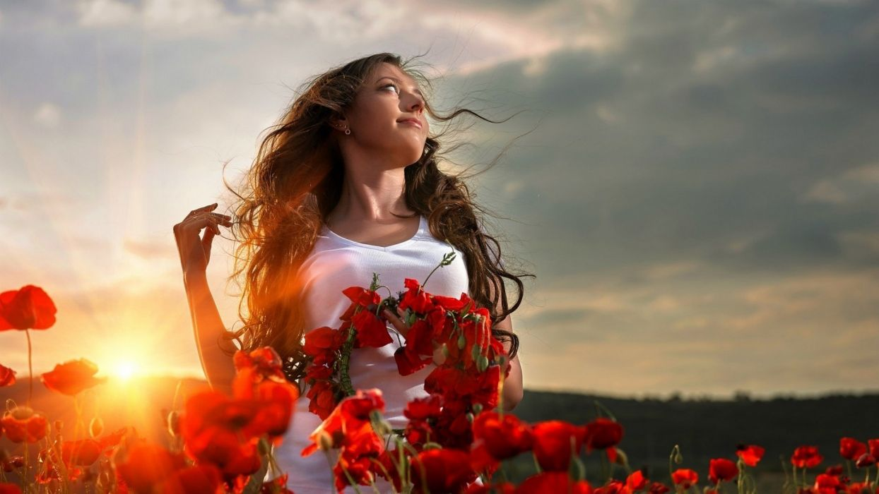 Photography sensuality sensual sexy girl woman model white-dress nature clouds flowers poppies sun-sunlight rays wallpaper