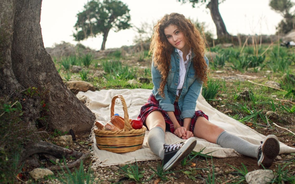 Sexy photos of woman on picnic pity