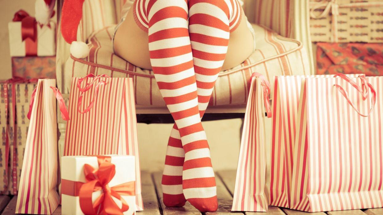 Photography sensuality sensual sexy girl woman model legs knees thigh stockings socks striped christmas gifts wallpaper