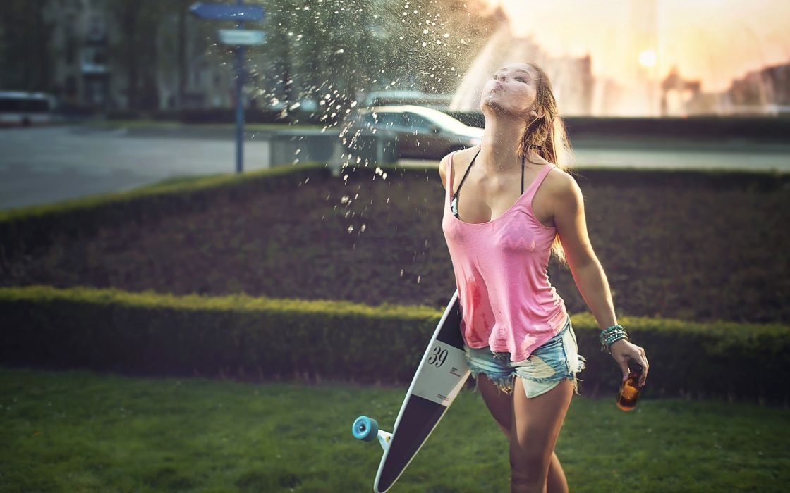 Sport skateboard sensuality sensual sexy girl woman model legs jean-shorts denim torn t-shirt tank-top longbord spitting beer bottle wet wallpaper