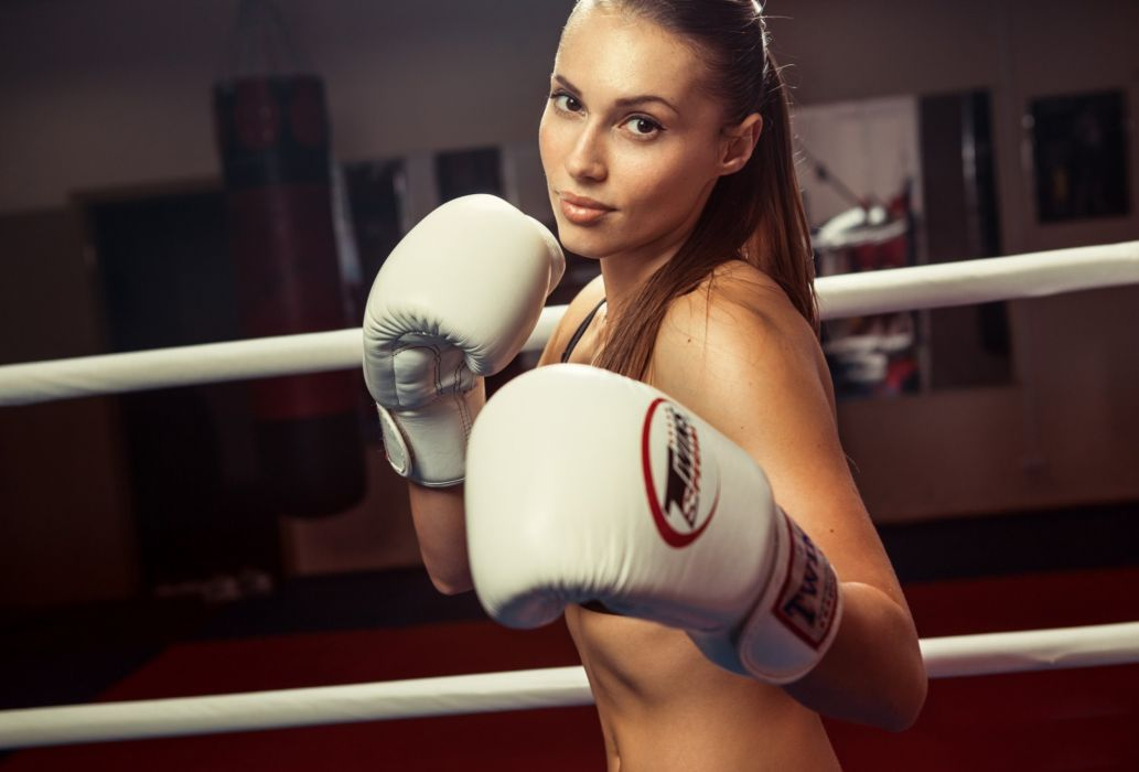 Sport sensuality sensual sexy girl woman model body fitness workout sportswear belly abs navel gym boxing sweat sweaty gloves ring skinny Valeria-Guznenkova wallpaper