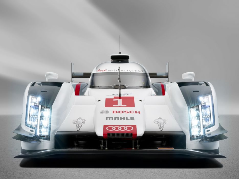 Audi R18 e-tron quattro 2014 Race Car wallpaper