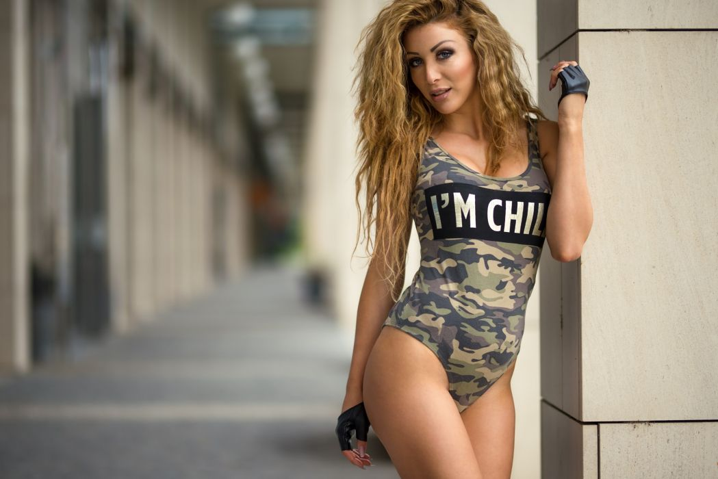 Sensuality sensual sexy girl woman model body fitness sport sportswear lrgs thighs swimsuit camouflaged gloves wallpaper