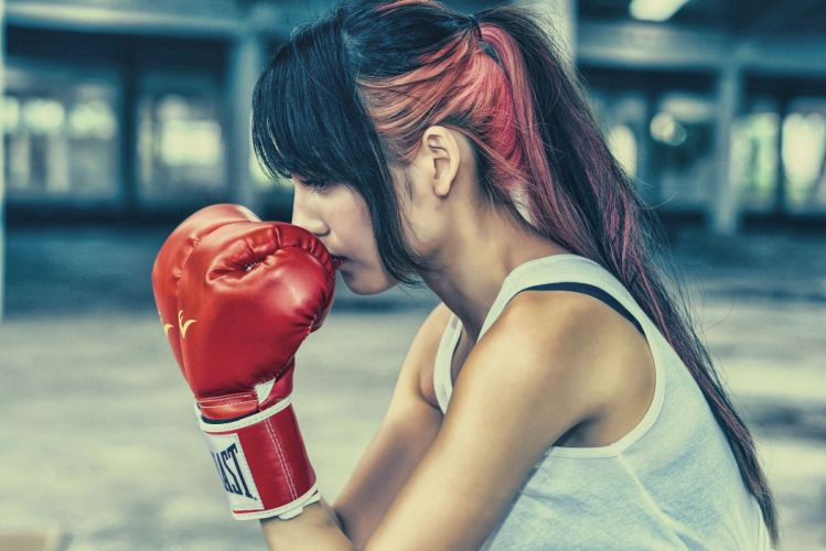 Sport sensuality sensual sexy girl woman model body fitness workout sportswear gym boxing gloves asian ponytail dyed-hair wallpaper