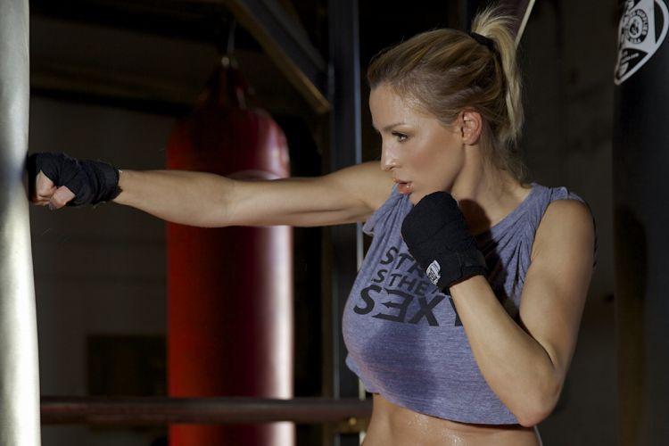 Sport sensuality sensual sexy girl woman model body fitness workout sportswear gym boxing sweat sweaty Jordan-Carver wallpaper