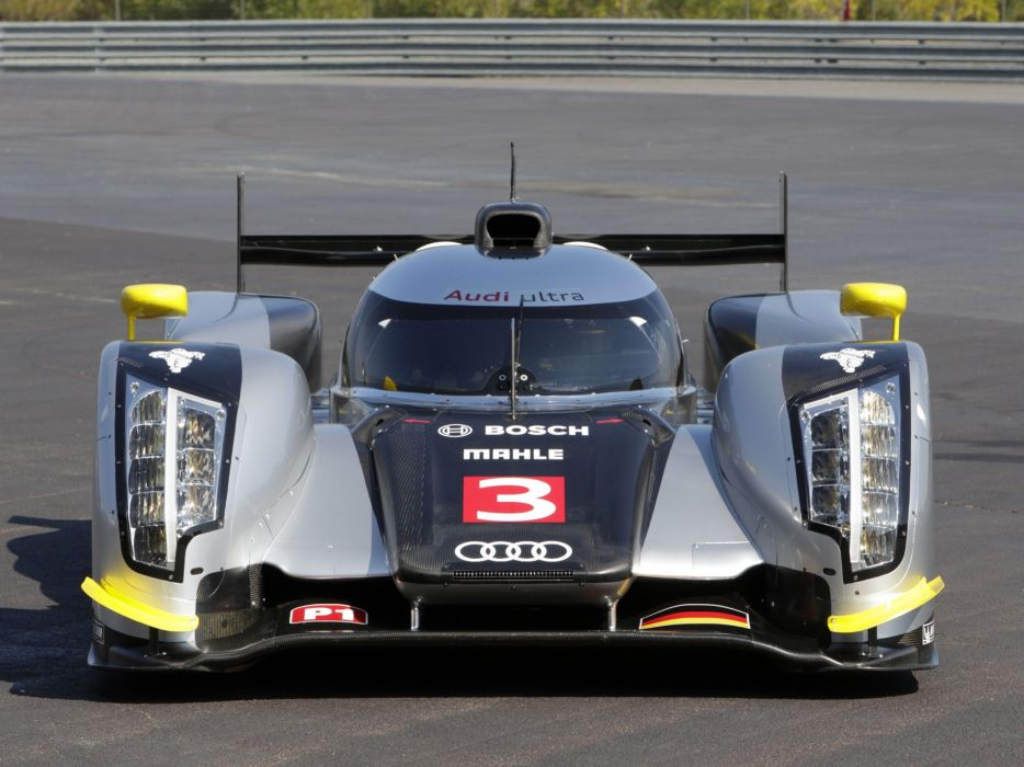 Audi R18 TDI 2011 Race Car wallpaper
