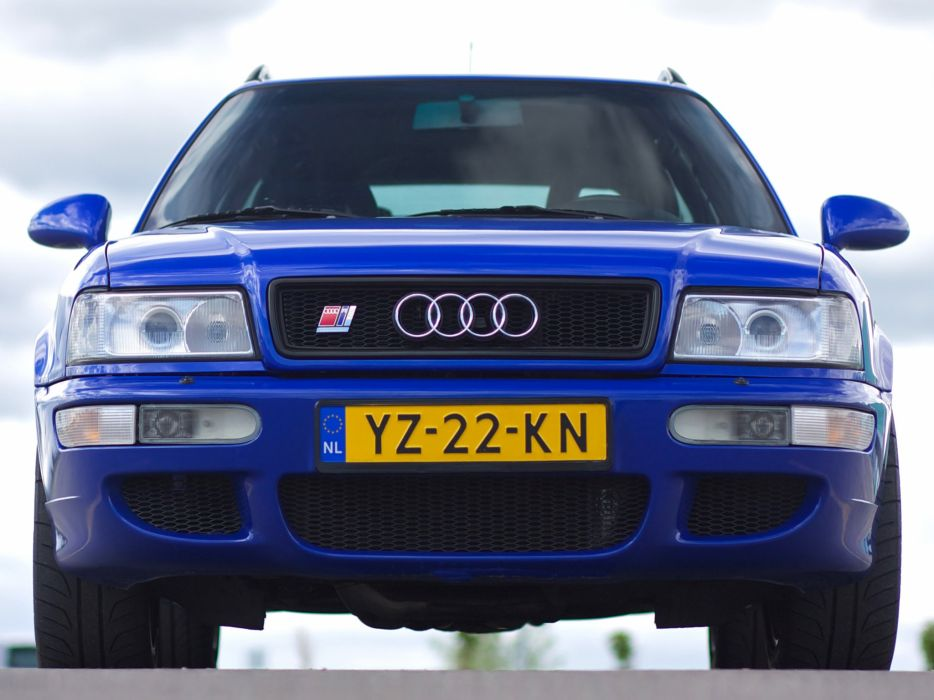 Audi RS2 8C-B4 wallpaper
