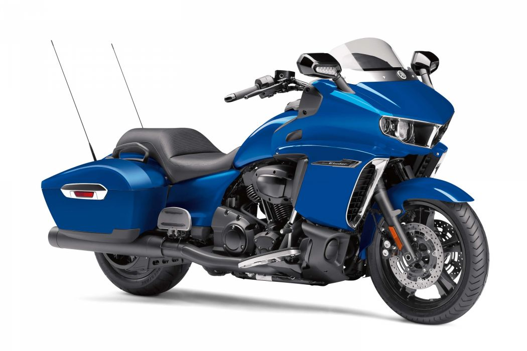 Yamaha Star Eluder bagger 2018 blue wallpaper