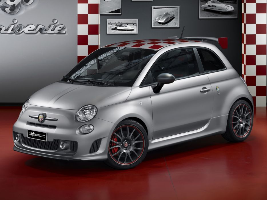 Abarth 695 Record 2013 wallpaper