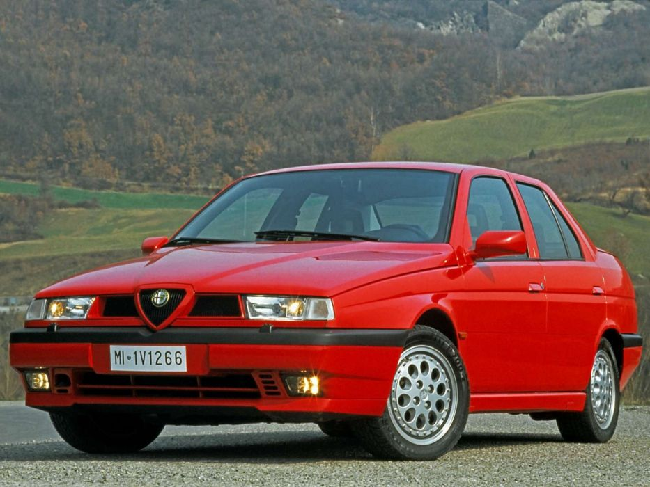 Alfa Romeo 155 1992 wallpaper