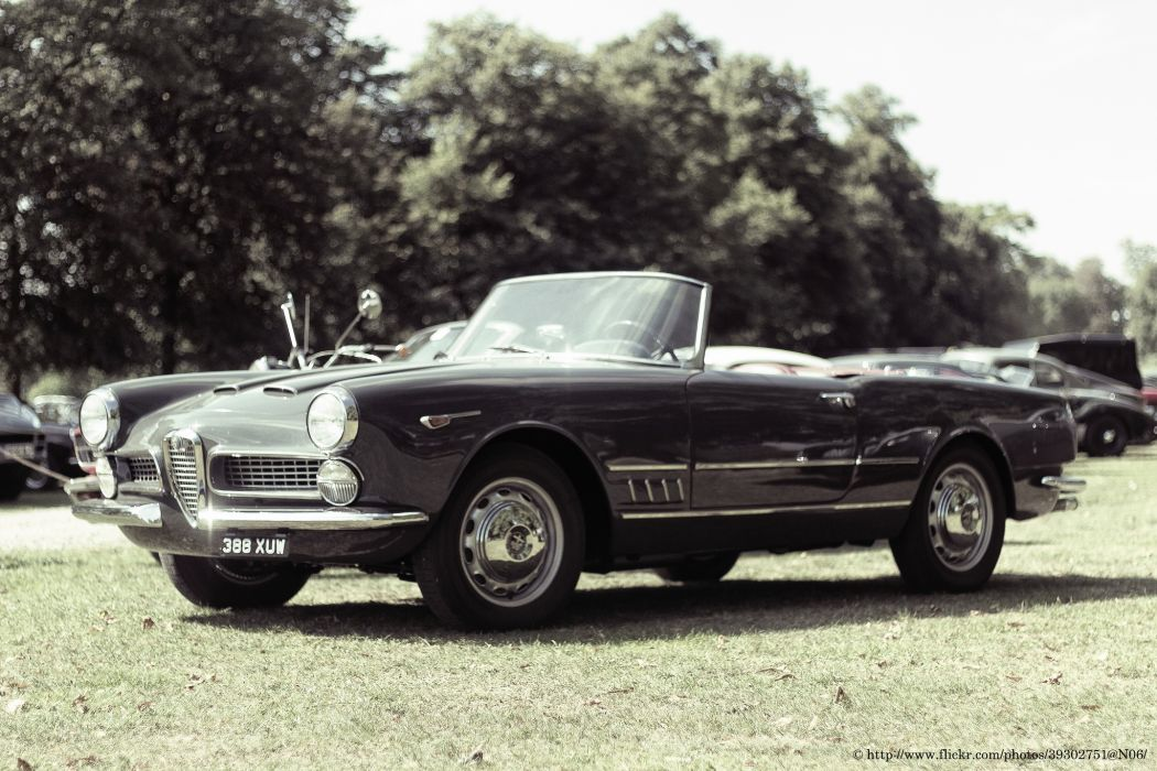 Alfa Romeo 2600 Spyder 1961 wallpaper