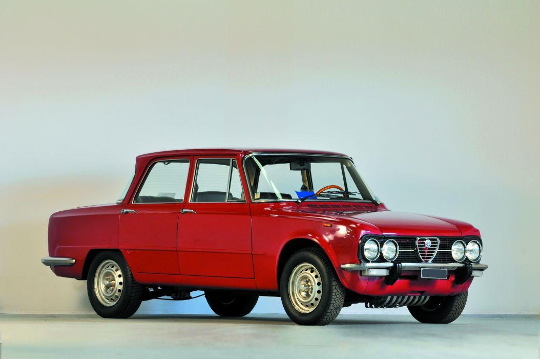 Alfa Romeo Giulia Nuova Super Saloon 1975 wallpaper