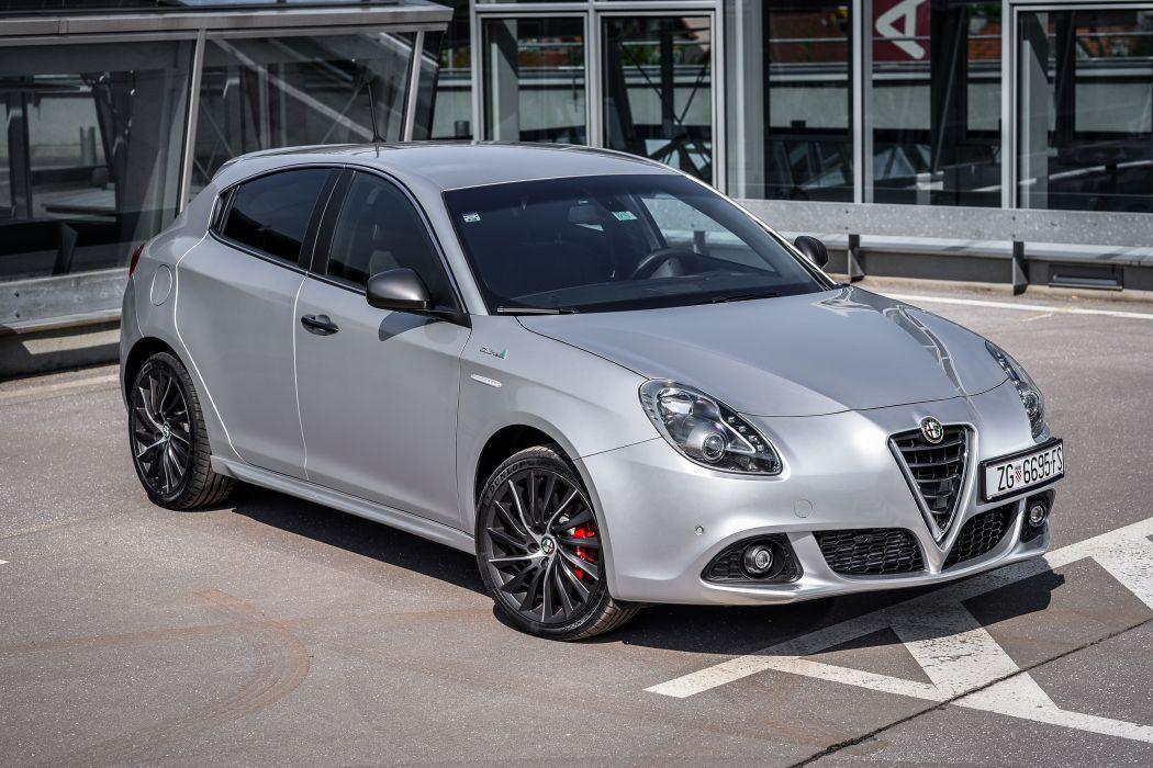 Alfa Romeo Giulietta QV Line 2014 wallpaper