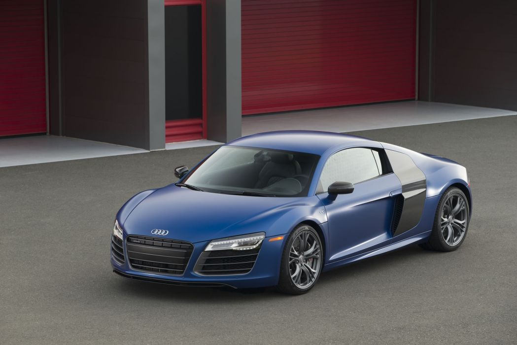 Audi R8 V10 Plus 2014 wallpaper
