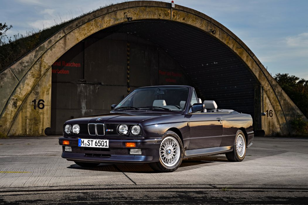BMW M3 Cabrio 1988 wallpaper