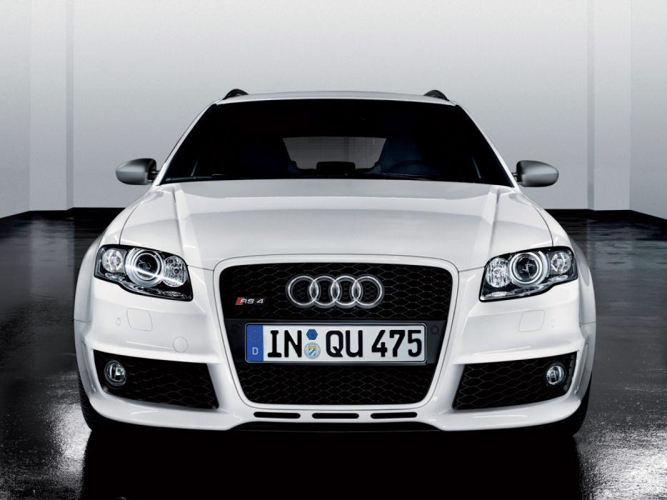 Audi RS4 Avant B7-8E wallpaper