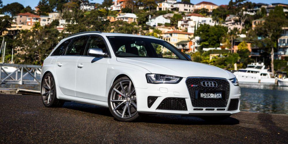 Audi RS4 Avant B8-8K wallpaper