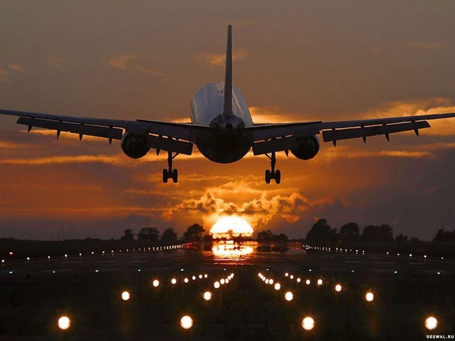 avion civil despegando wallpaper