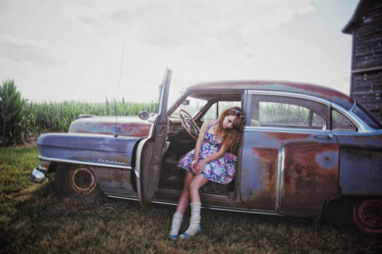 Machine sensuality sensual sexy girl woman model old-car classic legs knees dress sitting wallpaper